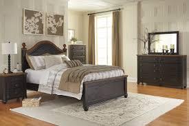 maxington 5 pc bedroom dresser mirror u0026 queen panel bed b220