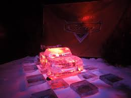 cars sally and lightning mcqueen file disney cars ice sculpture jpg wikimedia commons