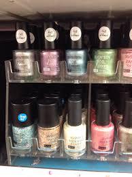 seventeen u2013 painted nails u0026 baking scales
