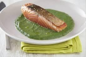 cuisine pavé de saumon recette de pavé de saumon cuit à l unilatérale huile de wasabi et
