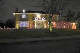 top chicagoland neighborhoods for holiday lights chicago tribune
