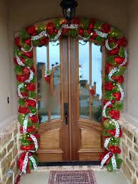 73 Best Deco Garland Images by Best 25 Christmas Garland With Lights Ideas On Pinterest