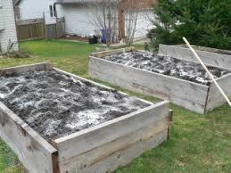 organic gardening soil amendments what materials are best for