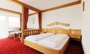 Landhausk He Angebot Hotel U0026 Gastgeber Sattelbogener Hof In Der Region Cham