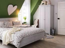 dachschrge gestalten schlafzimmer dachschräge ganze wand streichen wenn sie mit einer markanten