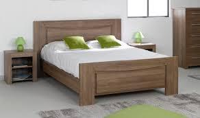 chambre adulte bois décoration chambre contemporaine en bois massif 26