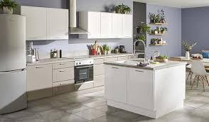 ilot cuisine castorama aménager une grande cuisine notre sélection de meubles de cuisine