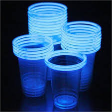 glow in the cups glowstick cups this would be so awesome for an outdoor