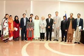 Senior Executive Manufacturing Engineering Executive Director Ms Susan Stroud Visit To Pakistani Partner