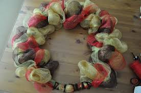 how to make a wreath how to make a wreath out of tule migyrsandsea22 s soup