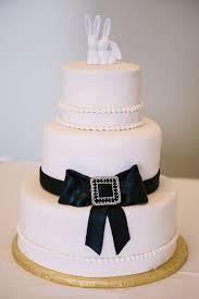 Wedding Cake Edmonton Offbeat Hollywood Glitz Wedding In St Anthony U0027s Church Fort