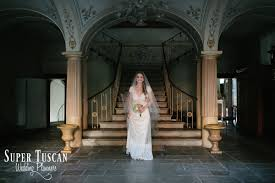 a wedding in italy and in tuscany is not only country so make