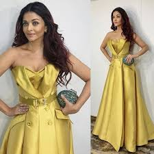 casual dinner rs 3 7 lakh aishwarya bachchan s yellow gown for ambanis