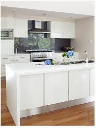 kitchen splash guard ideas crisp white kitchen with a charcoal splash back gorgeous home