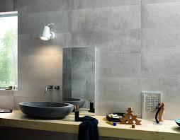 badfliesen grau badfliesen ideen grau holztisch marmor beton optik modern