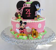 and friends cake on birthday cakes minnie friends cake