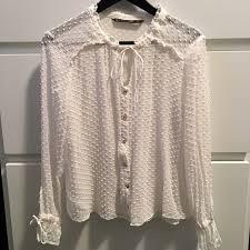 swiss dot blouse 63 zara tops zara basic white swiss dot blouse m from