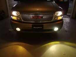 what do fog lights do engineeringbug why do all modern cars have amber lights in addition