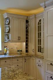 Kitchen Countertops And Backsplash by Best 10 Cream Cabinets Ideas On Pinterest Cream Kitchen