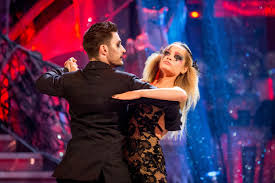 strictly come dancing 2016 laura whitmore makes triumphant return