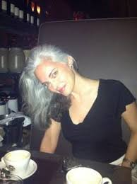 looking with grey hair with her gray hair color i dont think the yellow and green look