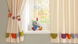 rideaux pour chambre bébé quel rideau pour une chambre enfant