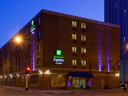 hotels near light rail minneapolis holiday inn express suites minneapolis dwtn conv ctr hotel by ihg