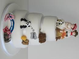 personalised cakes wedding cakes sugar petals