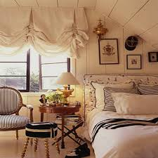 Decorating A Small Bedroom 25 Small Master Bedroom Ideas Tips And Photos