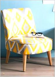 chaise pour chambre adulte petit fauteuil de chambre la couleur bleu canard de ce petit