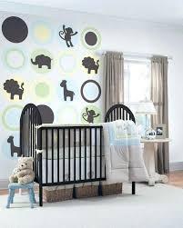 rangement mural chambre bébé rangement mural chambre bebe sticker mural theme jungle lit design