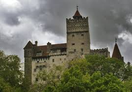 Dracula S Castle Is Dracula U0027s Castle Haunted Two Guests Could Find Out This Halloween