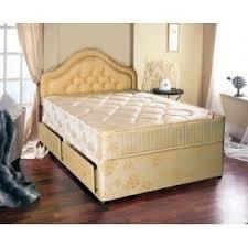 couvert lit l et s meubles cardiff petit simple damas couvert lit avec 2