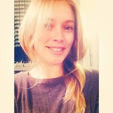 cindy crawford still looks flawless in nomakeup selfie