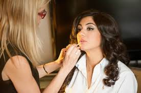professional makeup artists in nj nj makeup artist jones baskin adding the finishing touches to