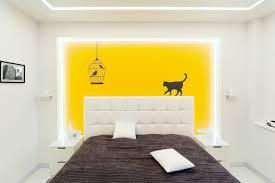 peinture de chambre tendance design interieur couleur peinture chambre lit bas cuir blanc