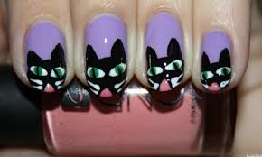 diy nail art halloween inspired scaredy cat manicure photo