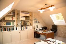 bureau sous combles cette maison de l eure s offre une grande mezzanine sous comble