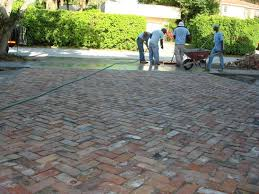 Brick Paver Patio Installation Best 25 Paver Installation Ideas On Pinterest Brick Sidewalk