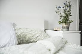 Schlafzimmer Bett Auf Raten Muttern Liegt Falsch Darum Sollten Sie Ihr Bett Morgens Nicht