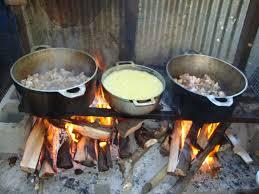 feu de cuisine file cuisine au feu de bois jpg wikimedia commons