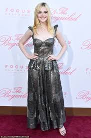 elle fanning stuns at the premiere of the beguiled in la daily