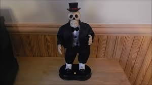 halloween dancing skeleton gemmy halloween puttin on the ritz singing dancing skeleton youtube