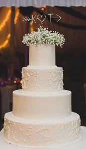 delicate dessert details a traditional fondant wedding cake