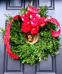 harris sisters girltalk how to care for a fresh boxwood wreath