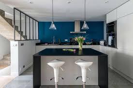 cuisine blanche mur inspirant cuisine blanche mur bleu canard ensemble logiciel sur