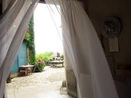 chambres d hotes a bienvenue aux jardins sur glantine chambres d hôtes à poligny