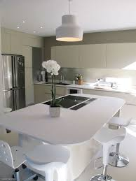 cuisine avec ilot central arrondi cuisine avec ilot central arrondi maison design bahbe com