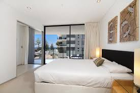 one bedroom apartments in burleigh heads ambience on burleigh beach