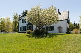 file green gables house backyard jpg wikimedia commons